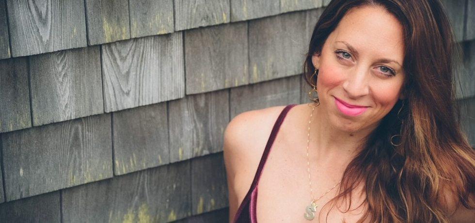 Photo of artist Jaclyn Altieri